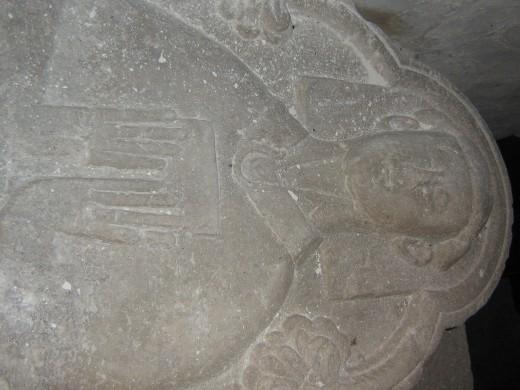 Carved Tomb, Ruan Lanihorne