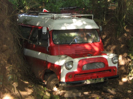 grounded vehicle near Coombe